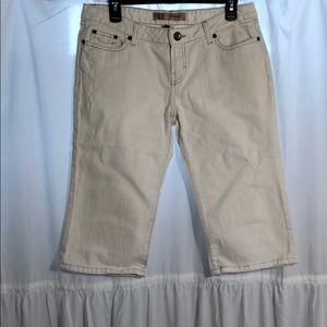 BKE Sabrina white stretch capris size 30